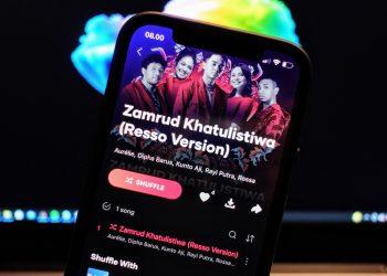 Resso lagu Zamrud Khatulistiwa
